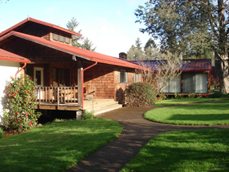 Retreat-Center-Front-Porch