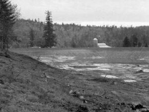 tilikum-lake-bed-1982